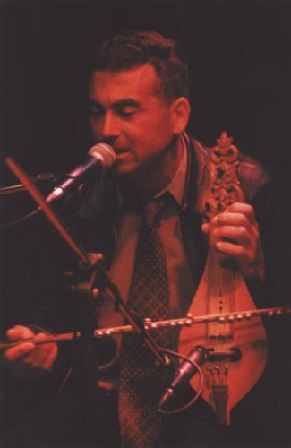 Γιάννης Κλαδάκης και «Αρχαγγελίτικος»Αφιέρωμα στη δωδεκανησιακή λύρα